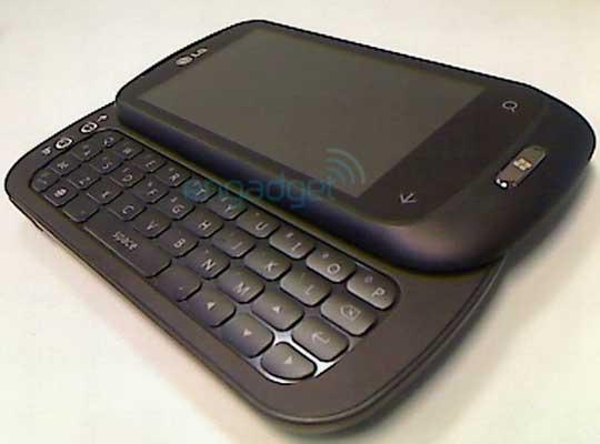Smartphone avec clavier physique