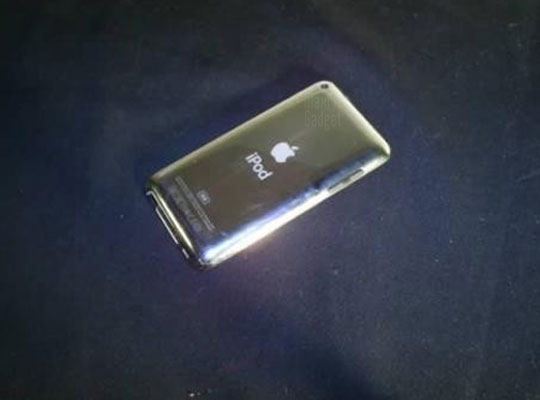 ipod touch 5g pics. ipod touch 5g. photo prototype