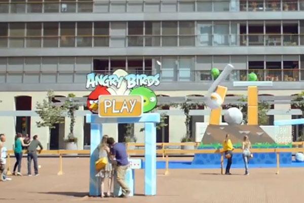 veritable jeu angry birds a dimension humaine (pub tv t-mobile)