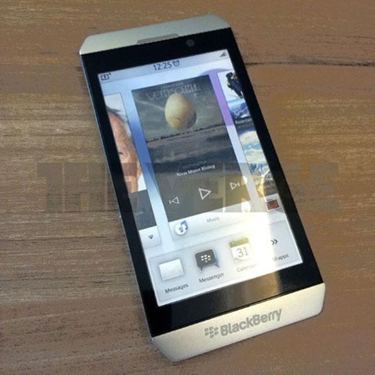 nouveaux blackberry sous bb 10 en 2012