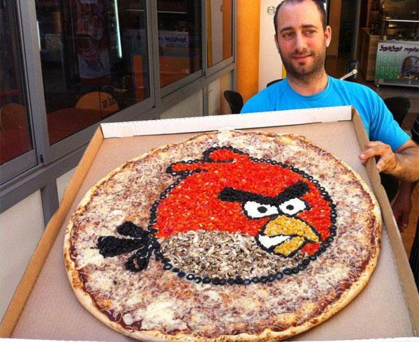 pizza angry birds pour geeks Insolite: Pizza Angry Birds géante, aussi bonne que le Jeu ?