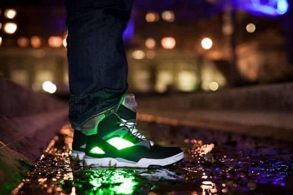 basket led solebox reebok omni zone pump Solebox x Reebok Omni Zone Pump 2: Baskets LED pour la Nuit