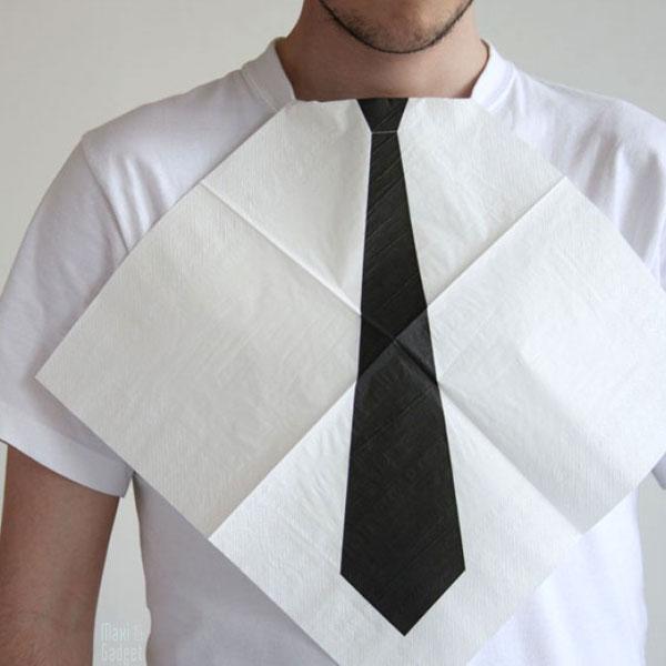 serviette cravate geek pour paraitre impeccable au reception