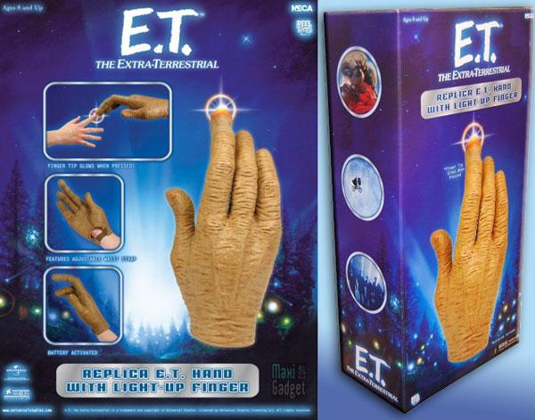 téléphoner avec la main de E.T. l'Extra-Terrestre