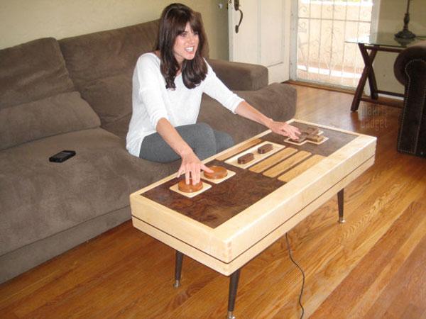 table basse de salon en forme de manette nintendo nes entierement fonctionnelle