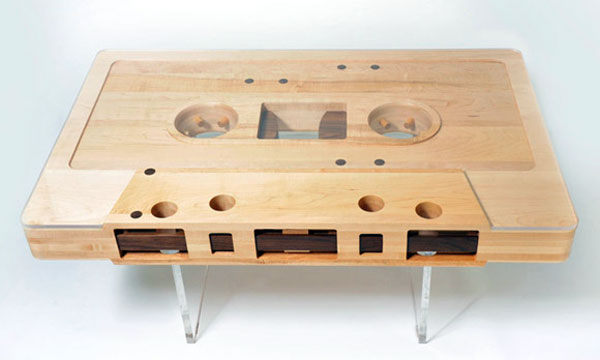 mixtape table basse en forme de k7 audio Mixtape: Table Basse Vintage en forme de K7 Audio