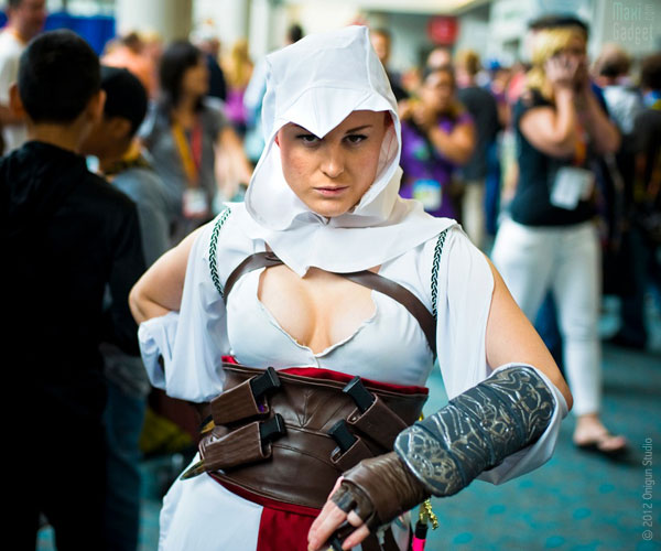 lady assassins creed On a retrouvé la femme de Mario et Luigi au Comic Con 2012