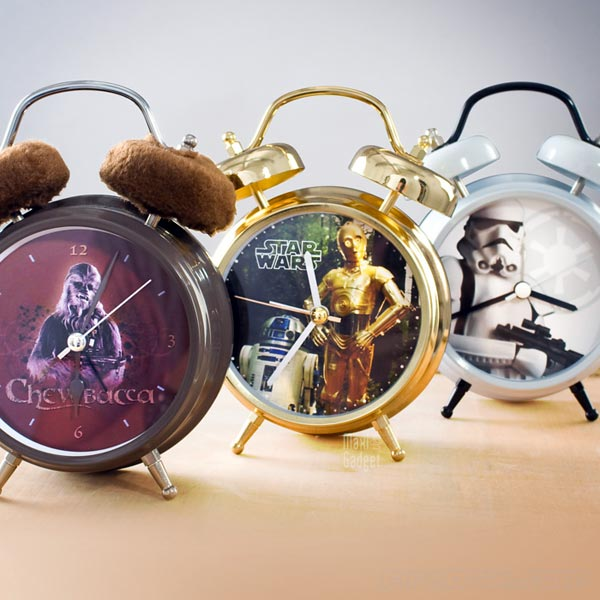 star wars reveil retro qui parle le langage 3CPO, Stormtrooper, Chewbacca