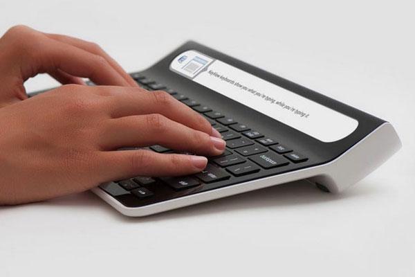 smartype clavier avec écran intégré pour taper plus vite et sans faute
