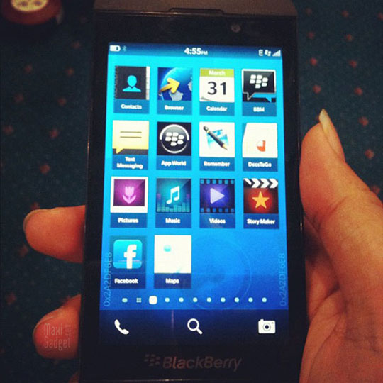 Blackberry L Series BB10 London BlackBerry 10: Smartphone style iPhone 5 (Photos, Video)