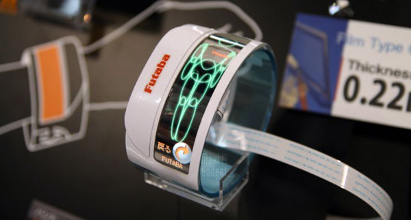 futaba montre ecran oled flexible 2012 Futaba: Video Montre Ecran OLED Flexible Extra Plat (0,22mm)