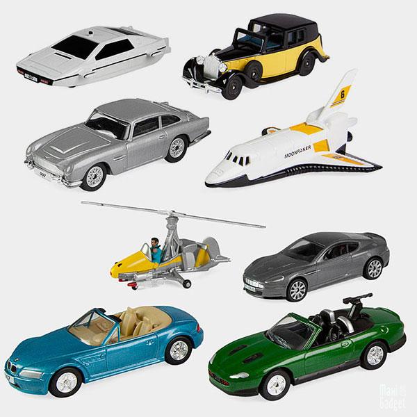 selection de 8 voitures miniatures mémorables de james bond 007