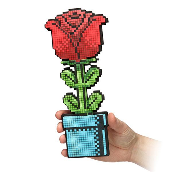 8bit rose pour geekette cadeau st valentin Cadeau Geek pour la St Valentin: Offrez Lui une Rose 8 Bit