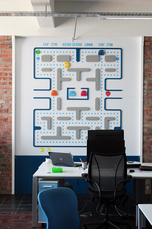 pacman deco retro buro par kraftisan pour new media labs
