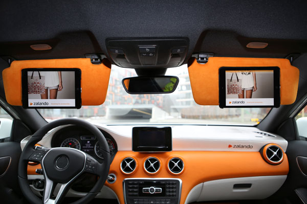 zalando-fashion-car-avec-ipad-scanner-vetement