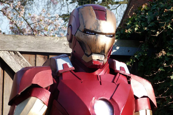 iron man costume a faire soi meme IRON MAN: Comment Construire Armure Mark VII en Images