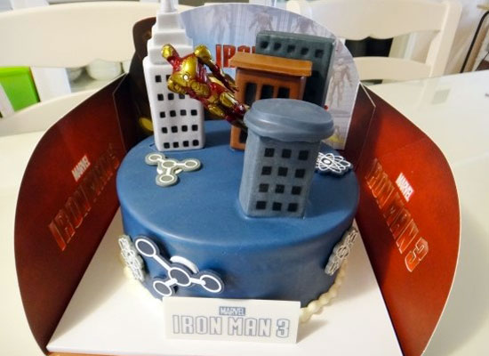 iron-man3-cake-deballage