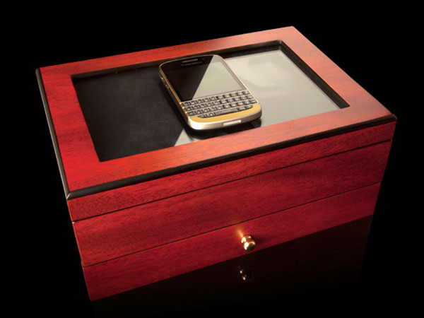 blackberry-q10-gold-edition-for-celebrities
