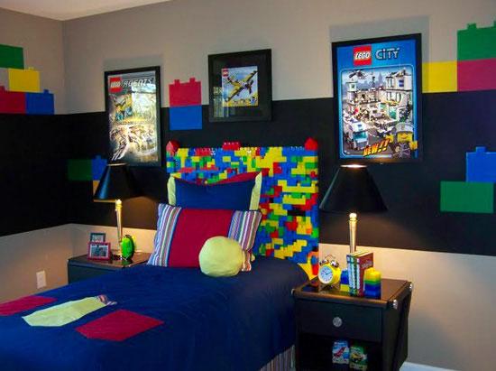 chambre geek lego 15 Magnifiques Chambres Geek aux couleurs de vos Super Héros