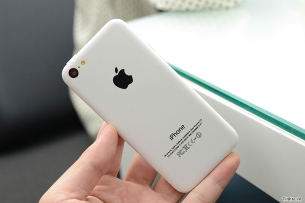 iphone 5c low cost iPhone 5C pas sorti mais déjà une copie Made in China à 99$