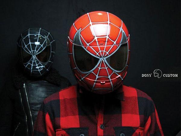 spiderman-casque-moto-rouge-et-noir