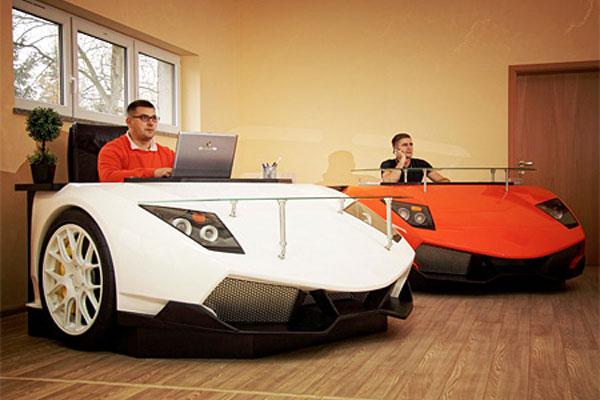 Lamborghini murcielago bureau en forme de supercar pour geek fortuné