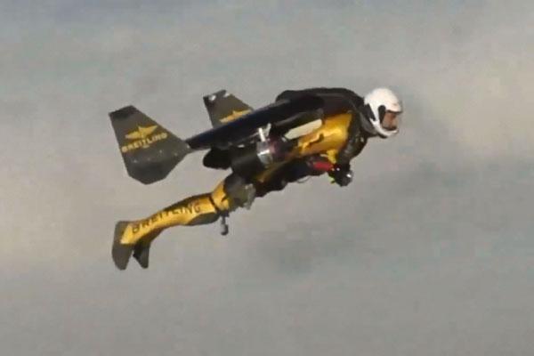 jetman-l-homme-qui-vole-comme-un-avio