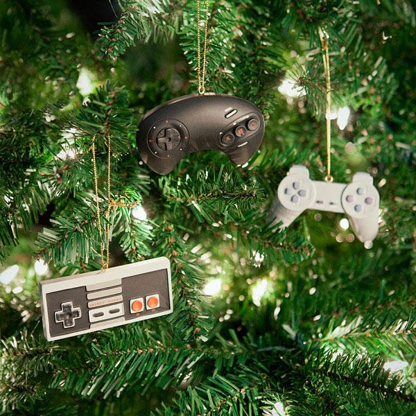 noel kit decoration sapin repliques manettes retro Noël: Kit de Décoration Geek avec Répliques de Manettes Retro