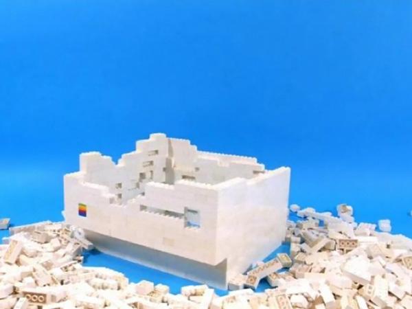 LEGO Macintosh Classic a faire soi meme Video: Ils fabriquent une réplique LEGO du Macintosh Classic