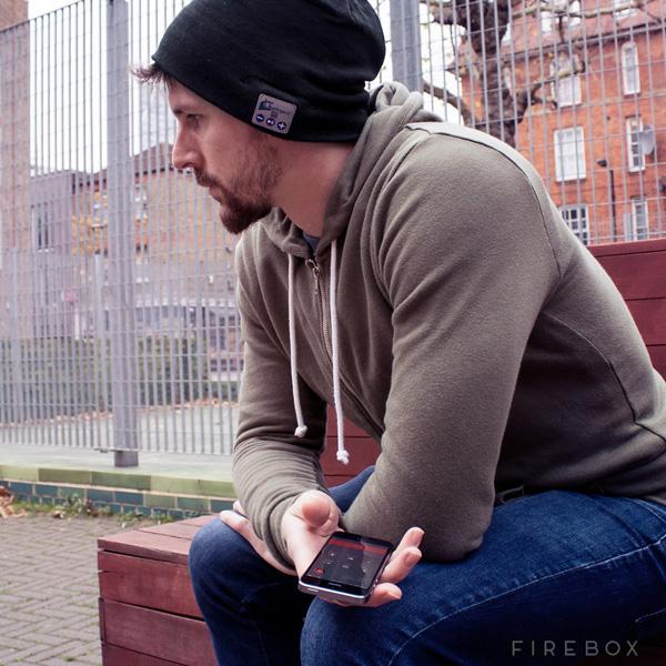 bonnet bluetooth ecouter discuter au chaud Bonnet Bluetooth et Kit Mains Libres pour cet Hiver