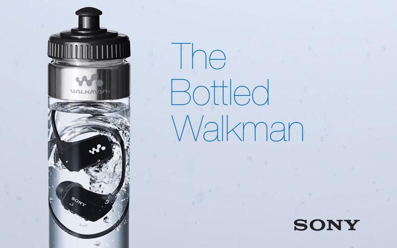 sony-walkman-w-series-baladeur-dans-une-bouteille-deau