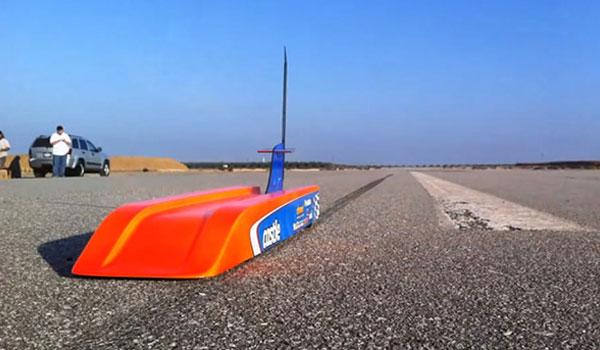 RC-Bullet-Plus-Rapide-Voiture-Radiocommandee-au-Monde-302Km-h