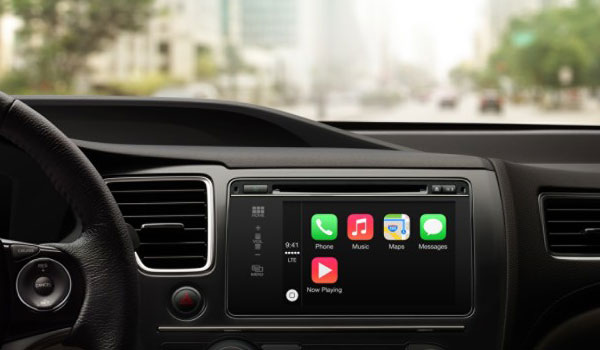 apple carplay tableau de bord avec iOS pour vehicule Apple CarPlay: Interface iOS dans Tableau de Bord Automobile