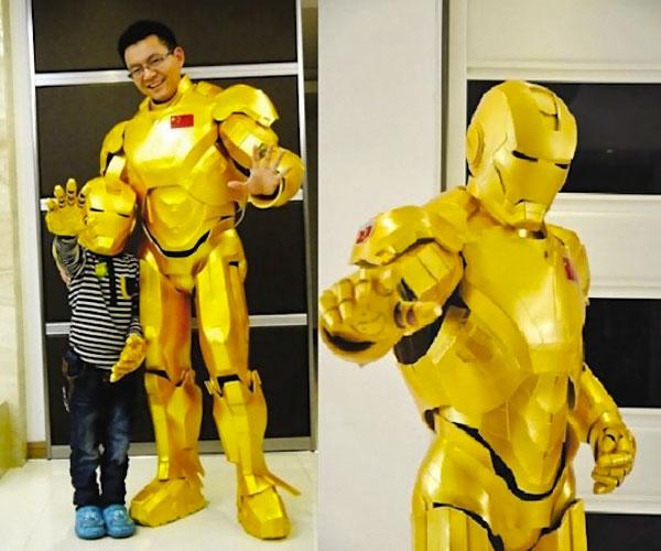 il-fabrique-costume-iron-man-en-plastique-pour-son-fils