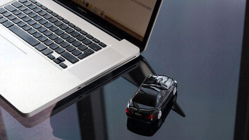 BMW-i8-Concept-Car-en-Souris-Sans-Fil-Noir