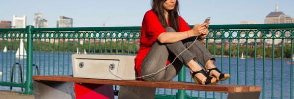 soofa-banc-public-pour-recharger-appareil-mobile