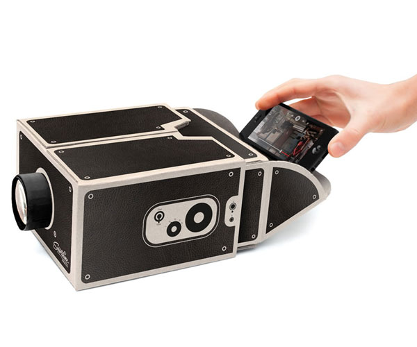 transformer-smartphone-en-videoprojecteur-avec-prezzy-box