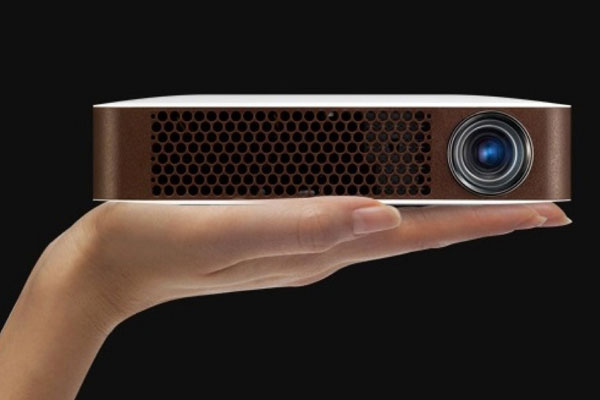 LG-MiniBeam-videoprojecteur-bluetooth-nomade