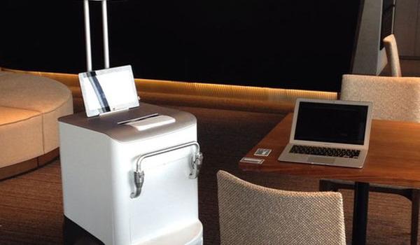 robot-fuji-xerox-imprime-apporte-document