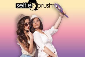 selfie-brush-brosse-cheveux-coque-iphone