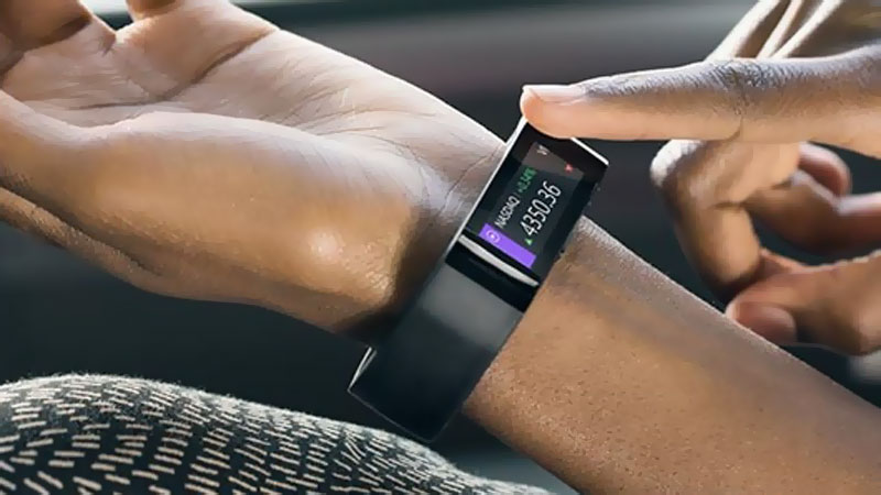 Microsoft-Band-Bracelet-Connecte-iOS-Android-Windows-Phone