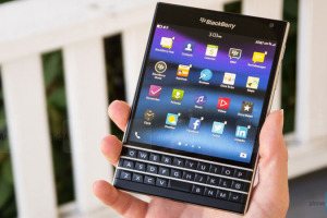 blackberry-passport-torture-test-video