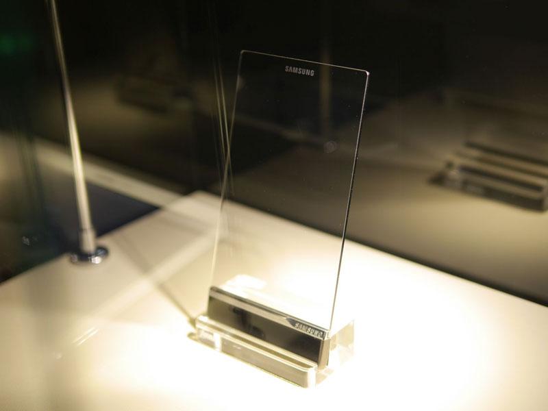samsung-smartphone-transparent-pour-tony-stark