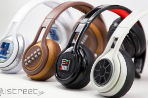 star-wars-street-by-50-casques-darkvador-r2d2-chewbacca-tiefighter