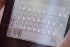 phorm-clavier-physique-transparent-ipad-mini-demo-video