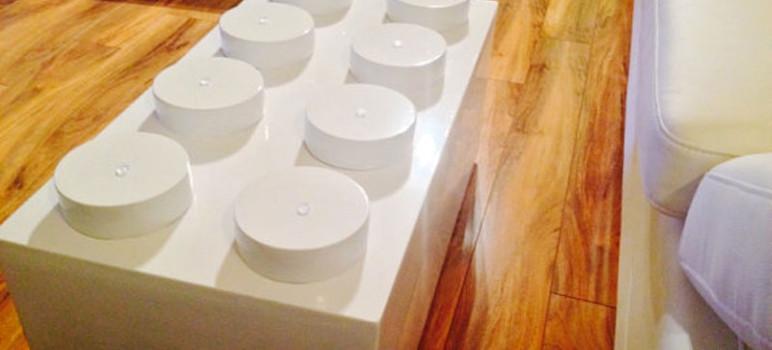 LEGO-Table-Design-pour-Salon-Geek