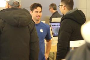faux-vendeurs-apple-conseillent-d-acheter-microsoft