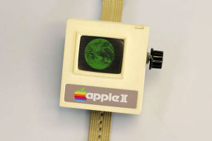 Apple-II-Watch-Montre-Retro-style-Apple-II