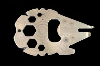 star-wars-faucon-millenium-outils-multifonctions-de-poche