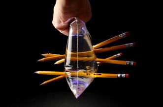 illusion-d-optique-astuces-scientifique-avec-du-liquide